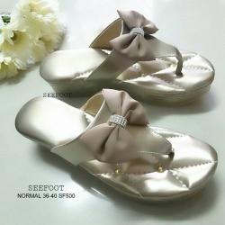 รองเท้าสวยเพื่อสุขภาพ สไตล์คีบ ติดโบแต่งอะไหล่ เพชรเงิน ทำให้ดูมีลูกเล่น พื้นเก๋แต่ง หมุดอะไหล่ทอง บุนวมนิ่มพิเศษ