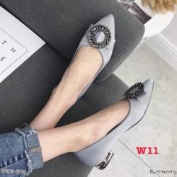 รองเท้าคัทชูส้นเตี้ยประดับอะไหล่โซ่ด้านหน้าแต่งเพชรที่ส้นรองเท้า