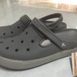 รองเท้า CROCS รุ่น CitiLane Clogs สีเทา