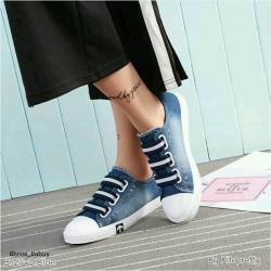 รองเท้าผ้าใบยีนส์ เล่นดีเทลเชือกแบบยางยืด 2Tone