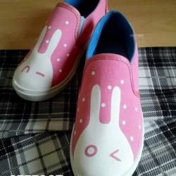 รองเท้าผ้าใบลายกระต่ายน้อยน่ารัก ทรงสลิปออน