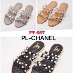 รองเท้าแตะแฟชั่น Chanel ประดับมุก