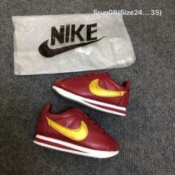 รองเท้าผ้าใบเด็ก Nike