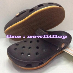 รองเท้า crocs retro clog รุ่นเรโทร สีน้ำตาลเข้ม