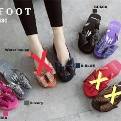 รองเท้าสวย Style Korae พื้นนิ่มมากสูง 3.5 นิ้ว แบบคีบแต่งโบว์ด้านหน้าประดับกากเพชร