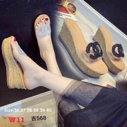 รองเท้าแตะส้นเตารีดแบบสวมพลาสติกใสนิ่มแต่โลโก้ chanel