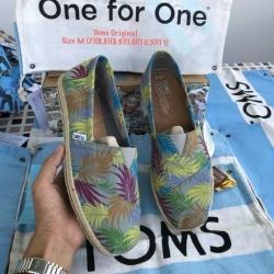 รองเท้า Toms ผู้ชาย วัดสุดผ้าเนื้อหนาลายใบไม้สีส้นสดใสส้นรองเท้าพันเชือกปอสุดเท่ งานเกรดพรีเมี่ยม