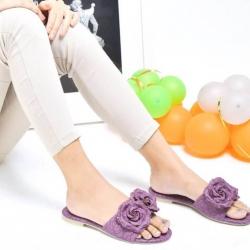 รองเท้าแตะแฟชั่นแต่งดอกกุหลาบด้านหน้าหนังนิ่ม