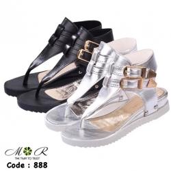 รองเท้าแตะรัดข้อสุดเท่แต่เข็มขัดที่ข้อเท้าทำจากหนังแก้วสวยเท่มาก