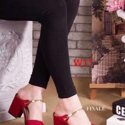 รองเท้าคัทชูเปิดส้น สูงประมาณ 2 นิ้ว วัสดุผ้าสักหลาดแต่งอะไหล่ทองด้านหน้า