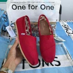 รองเท้า toms สีแดงล้วน งานเกรดพรีเมี่ยมแท้