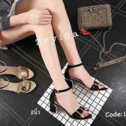 รองเท้าส้นสูงรัดส้น สูงประมาณ 2 นิ้ว วัสดุหนังเงาด้านแต่โลหะแวววาว