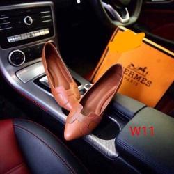 รองเท้าคัทชูส้นเตี้ยหน้า hermes