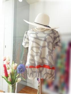 เสื้อชีฟอง size 40 แต่งชายผ้าพลีท สีขาว