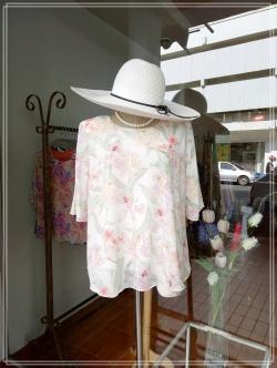 เสื้อชีฟอง Size 42 สีขาวครีมลายดอก