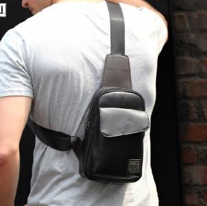 กระเป๋าคาดอก พร้อมส่ง กระเป๋าหนัง PU สีดำ จุของได้เยอะ มีช่องเก็บของด้านหน้า สายปรับได้
