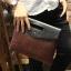 พร้อมส่ง กระเป๋าถือ กระเป๋าเอกสาร หนัง PU สีน้ำตาล ใส่เอกสาร ใส่โทรศัพท์ ใส่ ipad mini ได้ thumbnail 2