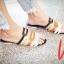 รองเท้าแฟชั่นแตะแต่งลวดลายฉลุด้านหน้า thumbnail 1