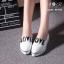 รองเท้าผ้าใบเสริมส้นหัวแหลมสกรีนลาย Love น่ารัก thumbnail 1