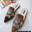 รองเท้าคัทชูเปิดส้นทรงสวมหัวแหลม ส้นเตี้ยปักรูปดอกไม้ thumbnail 4