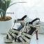 รองเท้าส้นสูงรัดส้นยิปแซงวัสดุหนังเงาสะท้อนแสง thumbnail 5