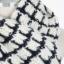 ผ้าพันคอ ผู้ชาย พร้อมส่ง สีขาว ลายน้ำเงิน ไหมพรม ผ้านิ่ม ใช้พันคอ ให้ความอุ่น thumbnail 6