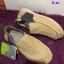 รองเท้า crocs คัทชูชาย รุ่น Men's Crocs Santa Cruz 2 Luxe สีครีม thumbnail 3