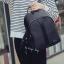 กระเป๋าเป้ วัสดุไนล่อนเนื้อหนา กันน้ำได้ ทนทาน ขนาดกำลังดี ด้านหน้ามีซิป thumbnail 3