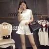 เสื้อผ้าแฟชั่นเกาหลีพร้อมส่ง เซตเสื้อลูกไม้ปักแขนกุดคอกลมมาพร้อมกับกางเกงลูกไม้