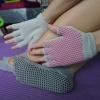 (พรีออเดอร์) ถุงมือ ถุงเท้าโยคะ กันลื่น YKSM30-19