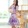 ( พร้อมส่งเสื้อผ้าเกาหลี) เซ็ตเสื้อกระโปรงโทนสีม่วง เนื้อผ้ายืดอย่างดี ตัวเสื้อเป็นผ้าลูกไม้ฉลุรูปดอกไม้ขนาดเล็กรอบคอเสื้อ ไหล่แขน และรอบชายเสื้อ ส่วนตรงกลางเสื้อฉลุด้วยรูปดอกไม้ลายดอกขนาดใหญ่ ชายเสื้อด้านหน้าผ่ารูป V คว่ำ มาพร้อมซับในสีม่วงและเข็มขัดอย่า