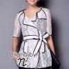 ( พร้อมส่งเสื้อผ้าเกาหลี) เสื้อคลุมสไตล์สูทเนื้อผ้าลูกไม้ See-Throught ดีซายส์เปิดคอ ปกใหญ่ Cutting สวยมากค่ะ สไตล์เสื้อแบบป้ายด้านหน้าผูกโบว์ด้านข้าง แต่งดีเทลเดินเส้นตัดขอบสีดำ ลุค Classic&Modern Style โทนสี Match กับเสื้อผ้าได้ง่าย หลากหลายสไตล์ เนื้อผ