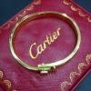 กำไล Cartier งานสวยมากก มีปั๊มลึก รุ่นนี้หมุนน็อตออกแล้วใส่เหมือนของแท้เป๊ะๆ ไม่ลอกไม่ดำ ราคา 1390฿