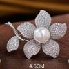 พร้อมส่ง Diamond Brooch เข็มกลัดเพชรประดับมุกทรงดอกไม้