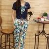 เสื้อผ้าเกาหลี พร้อมส่ง Chic Set Navy Bow Tie Collar Blouse match with Bloom Print Trousers