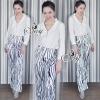 เสื้อผ้าเกาหลี พร้อมส่งZipper V-Neck With Zebra Stripes Pants Sets