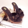 รองเท้าส้นสูง Style Brand Louis Vuittion (LV) ส้นทำจากไม้น้ำหนักเบา ด้านหน้าทำจากหนังนิ่ม ลายโมโนแกรม ติดอะไหล่ทองเหลือง logo LV