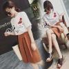 เสื้อผ้าเกาหลี พร้อมส่งEmbroidered Rose T-Shirt With Brown Fold Third Skirt Sets
