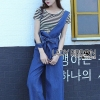 เสื้อผ้าเกาหลี พร้อมส่งจัมป์สูทผ้าเดนิมผูฏโบทับเสื้อลายทางแขนสั้นสไตล์ลำลอง