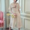 เสื้อผ้าแฟชั่นเกาหลี พร้อมส่งชุดเซท เสื้อ+กางเกง เป็นผ้าลูกไม้ลายสวยสกรีนดอกไม้ที่หน้าอก