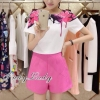 เสื้อผ้าเกาหลี พร้อมส่งเสื้อ+คู่กับกางเกงขาสั้นสีชมพูบานเย็นโดดเด่น