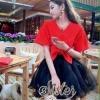เสื้อผ้าเกาหลี พร้อมส่ง เซ็ตเสื้อ+กระโปรง ตัวเสื้อสีแดงสด กระโปรงผ้าแก้วสีดำ