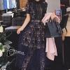 ชุดเดรสเกาหลี พร้อมส่งlong dress ฉลุสีกรม แขนสั้นซับในเย็บติดสีเนื้อช่วงอกยาวเหนือหัวเข่า