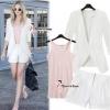 ( พร้อมส่ง) เซ็ต3ชิ้น เสื้อคลุม+เสื้อตัวใน+ กางเกงขาสั้น ตัวเสื้อคลุมแขนยาวผ้าลินินสีขาว มีกระเป๋าด้านบนซ้าย แขนเสื้อเย็บเข้ามุมเรียบร้อย มาพร้อมซับในสายเดี่ยวสีชมพู ผ้ายืดนะคะ กับกางเกงสีขาว เนื้อหนาทรงสวย