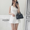 เสื้อผ้าเกาหลีพร้อมส่ง จั้มสูทโทนสีเรียบหรู สีดำ และขาว