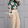 เสื้อผ้าเกาหลี พร้อมส่งEmerald Blouse Flara Cremy Pants Set