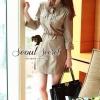 ( พร้อมส่งเสื้อผ้าเกาหลี) เนื้อผ้า cotton เนื้อนุ่มสวย เนื้อสวยมากคะ ดูมีราคา เก๋ๆ แบบ Smart ด้วยทรงเดรสเชิ้ตแขนสี่ส่วนเข้ารูปพอดีตัว เติมความเก๋ด้วยงานเย็บประดับด้วยกระดุมสีทอง เติมความเก๋ด้วยเข็มขัดหนังสีน้ำตาลตอกประดับด้วยอะไหล่สีทอง