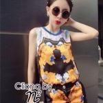 ( พร้อมส่งเสื้อผ้าเกาหลี) เซ็ตเสื้อแขนกุดเนื้อผ้าโพลีผสมซาตินพิมพ์ลายกราฟฟิคสีส้มเป็นรูปผีเสื้อตกแต่งด้วยรูปหัวกะโหลกตามแบรน์ มาพร้อมกางเกงขาสั้นพิมพ์ลายเดียวกัน ใส่เข้าชุดกันเป็นเซตก็สวยสง่า