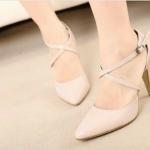 รองเท้าส้นสูงน้อย สายไคว่่ ตัวลอคสายสามารถปรับสั้น - ยาวได้ตามระดับข้อเท้าส้นสูงน้อยใส่สบายมากคะ