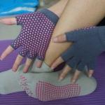 (พรีออเดอร์) ถุงมือ ถุงเท้าโยคะ กันลื่น YKSM40-3